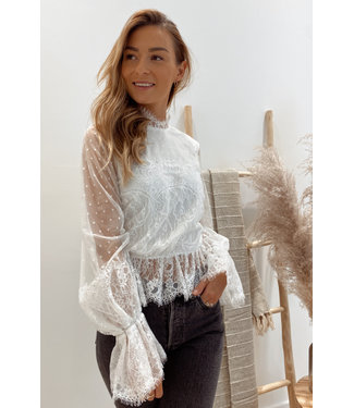 Frill lace top off white