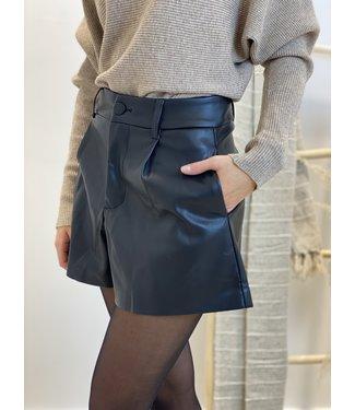 Leather short black