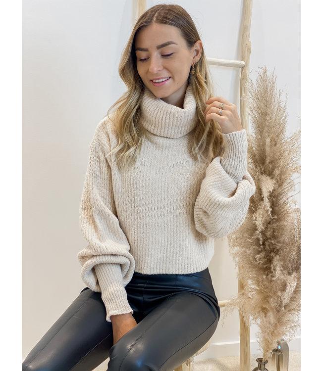 Oversized rollneck sweater short beige