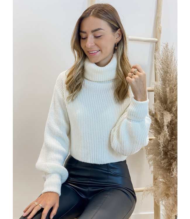 Oversized rollneck sweater short ecru