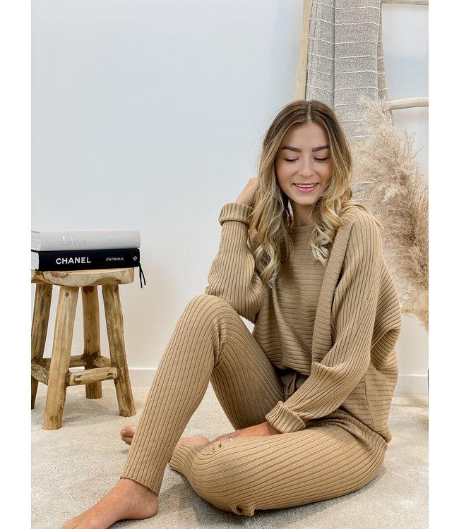 Ribbed ensemble - camel