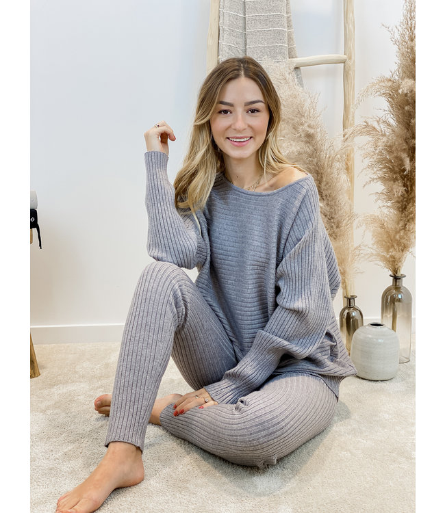 Ribbed ensemble - grey