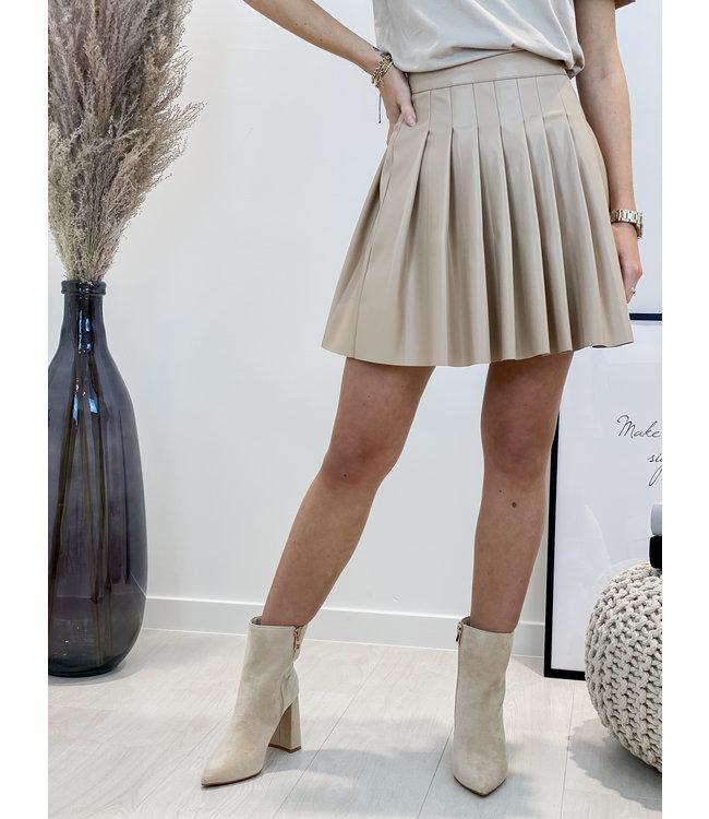 Leather plissé skirt - nude