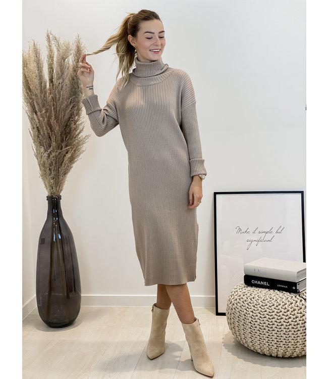 Ribble split dress - taupe