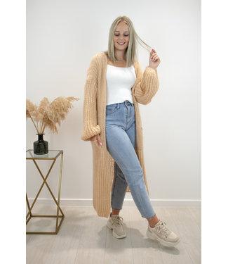 Long knitted gilet - soft camel