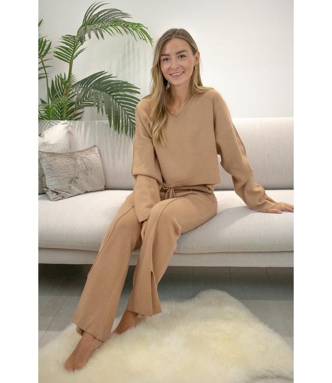 Flair split homesuit - camel