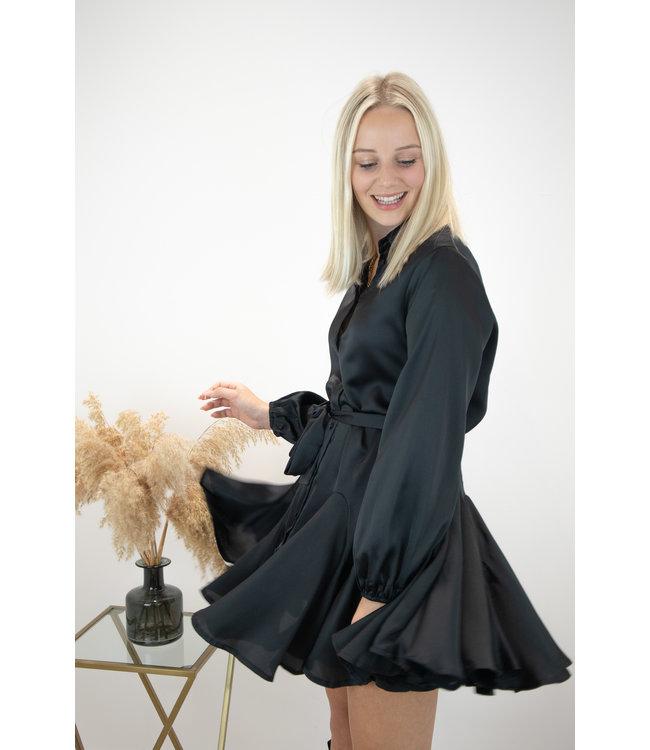 Satin dreamy dress - black