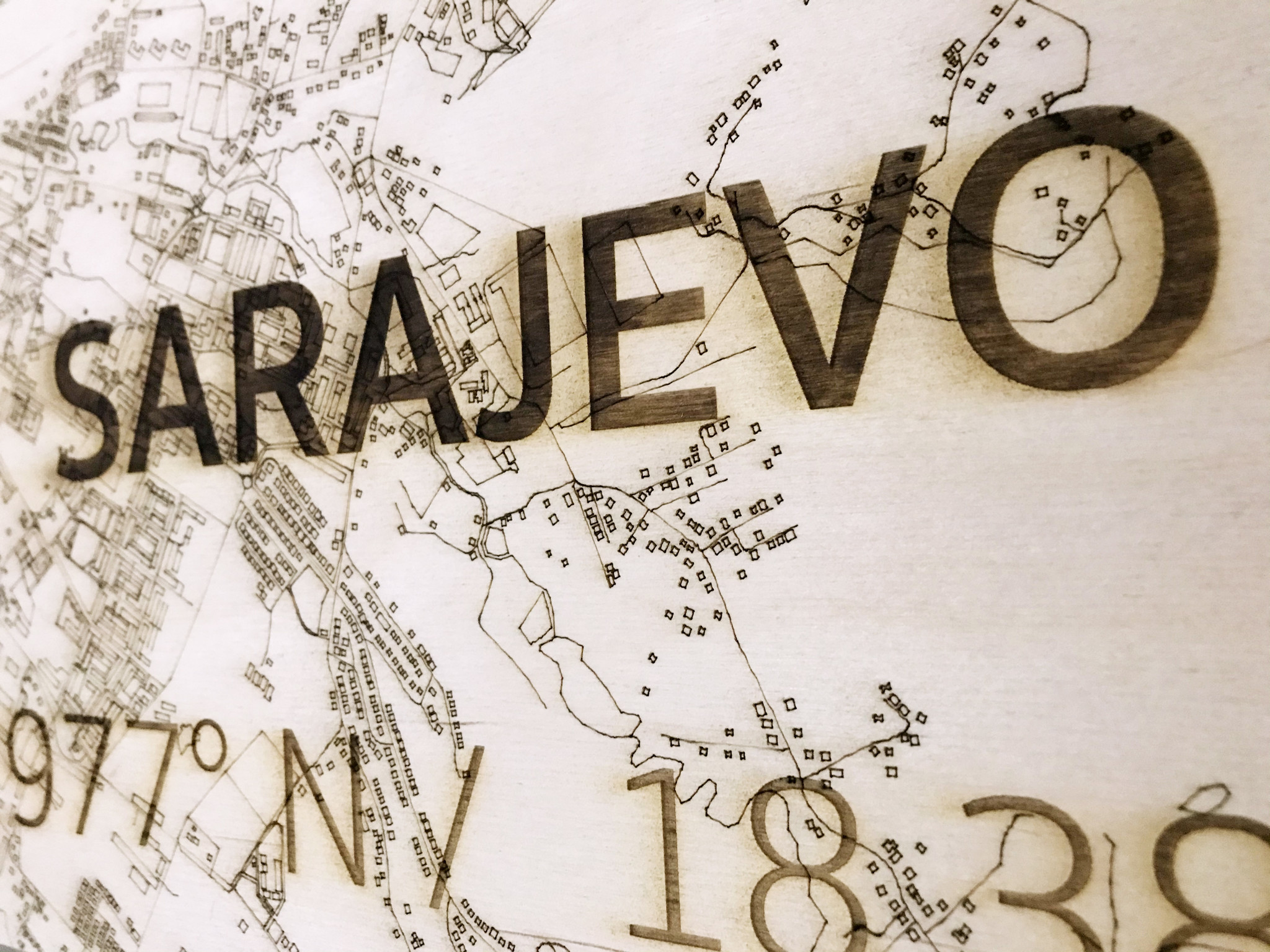 Wanddekoration aus Holz Wandbild Sarajevo XL Stadtplan-3