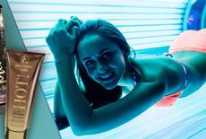 Dlaczego warto używać kosmetyki do opalania w solarium?
