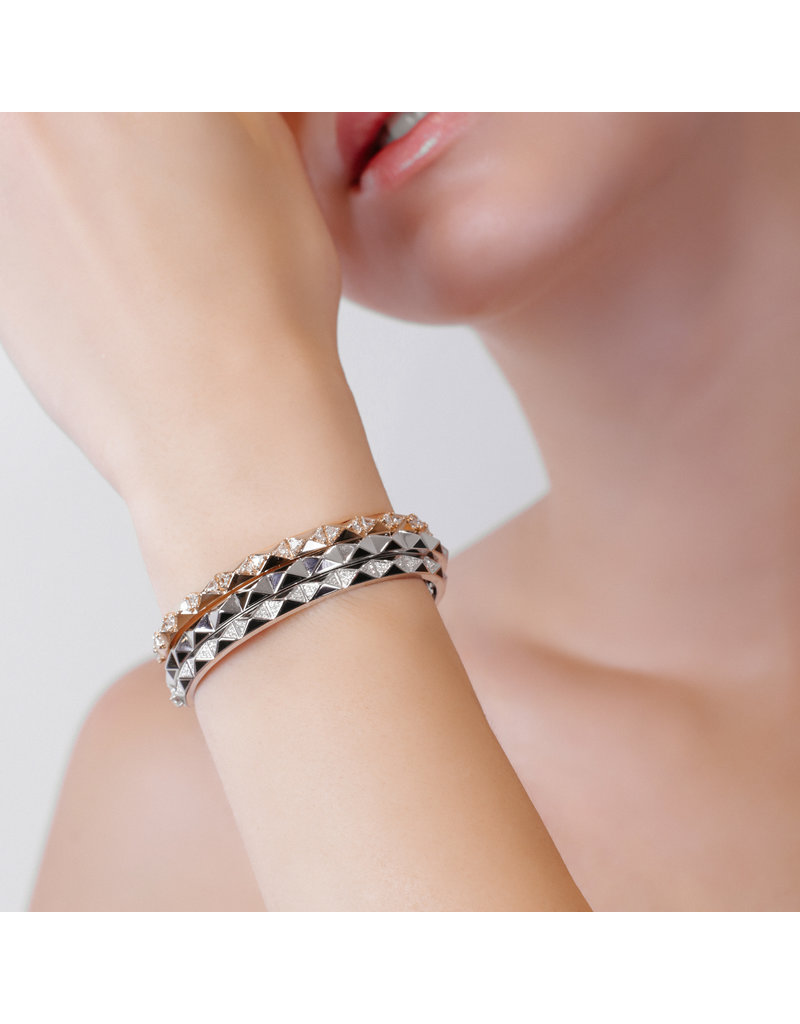 Calliope Carnival Bangle Yellow Gold in Ebony Pave