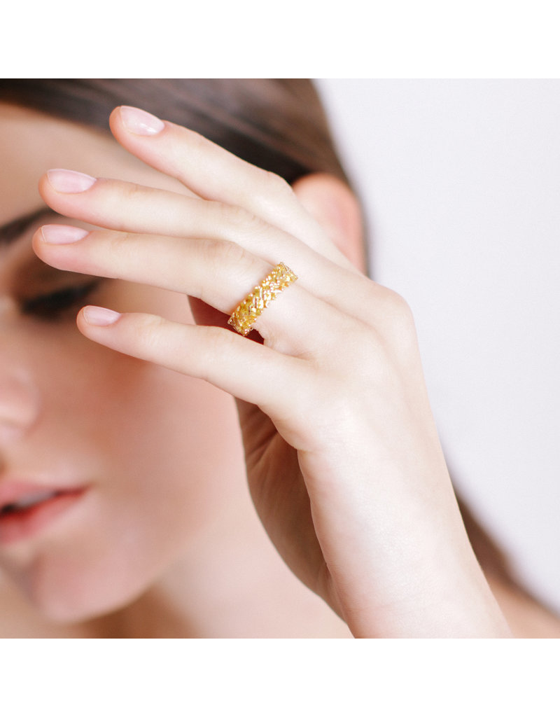 Shanhan Chevron Ring in Narcissus