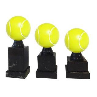 tennisbal op sokkel