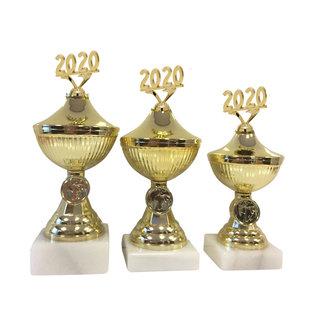 1716 goudkleurige beker met jaartal