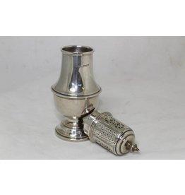 Engelse oude zilveren poedersuikerstrooier