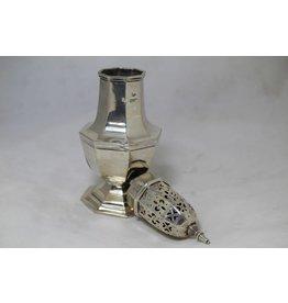 Zilveren poedersuikerstrooier