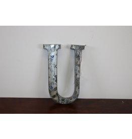 MIDDEL Grote metalen letter ZILVER U