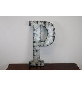 Grote metalen letter ZILVER P