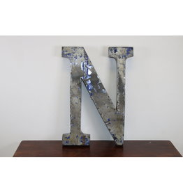 Grote metalen letter ZILVER N
