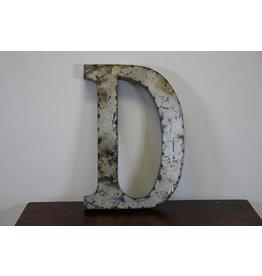 Grote metalen letter D grijs/zilver