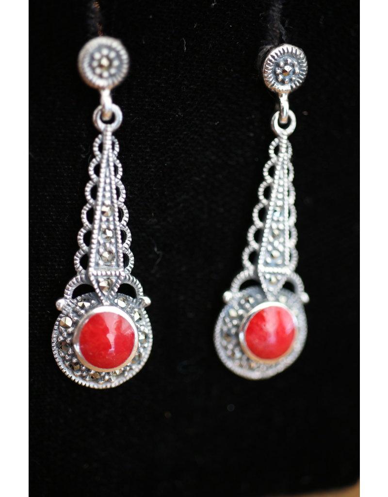 Zilveren oorbellen met Bloedkoraal en markasietjes
