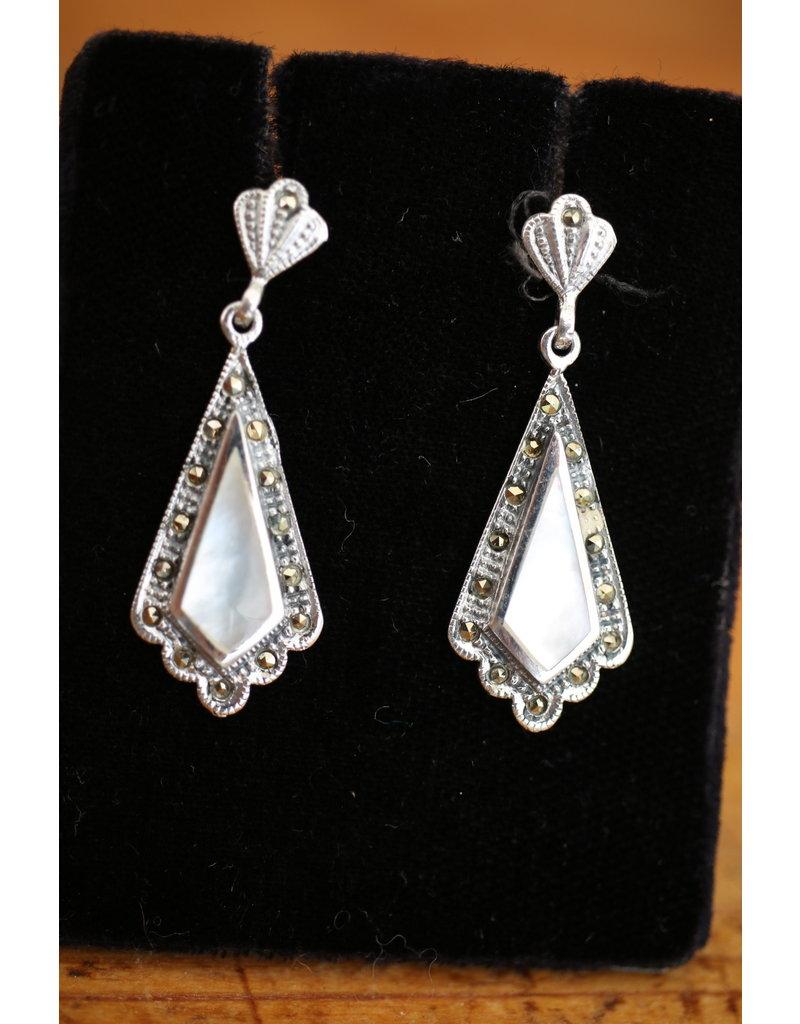Zilveren oorbellen met Parelmoer en markasietjes
