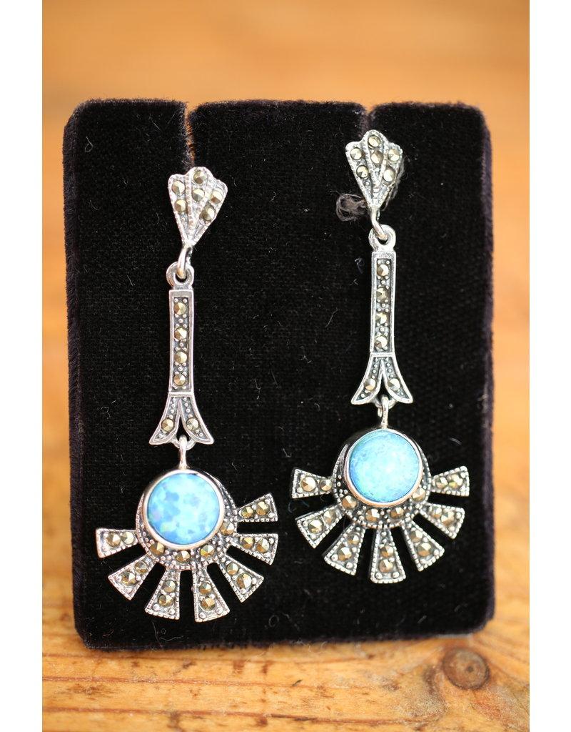 Zilveren oorbellen met Blauwe Opaal en markasietjes