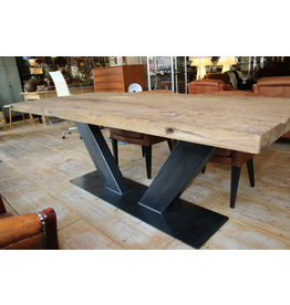 Eettafel vaLarge dining table of French wagon parts old oak.