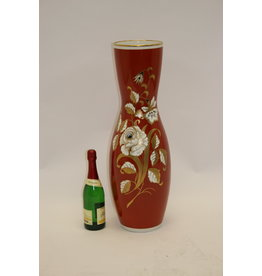 Large Red Porcelain Vase with Golden Flowers VEB Wallendorf 1966