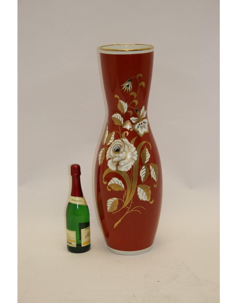 Large Red Porcelain Vase with Golden Flowers VEB Wallendorf 1966