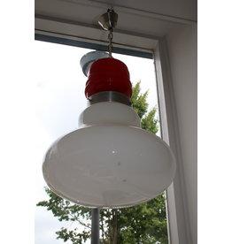 Hanglamp rood met wit glas jaren60