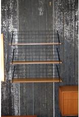 Bookshelf Bookshelf 3 wooden shelves.