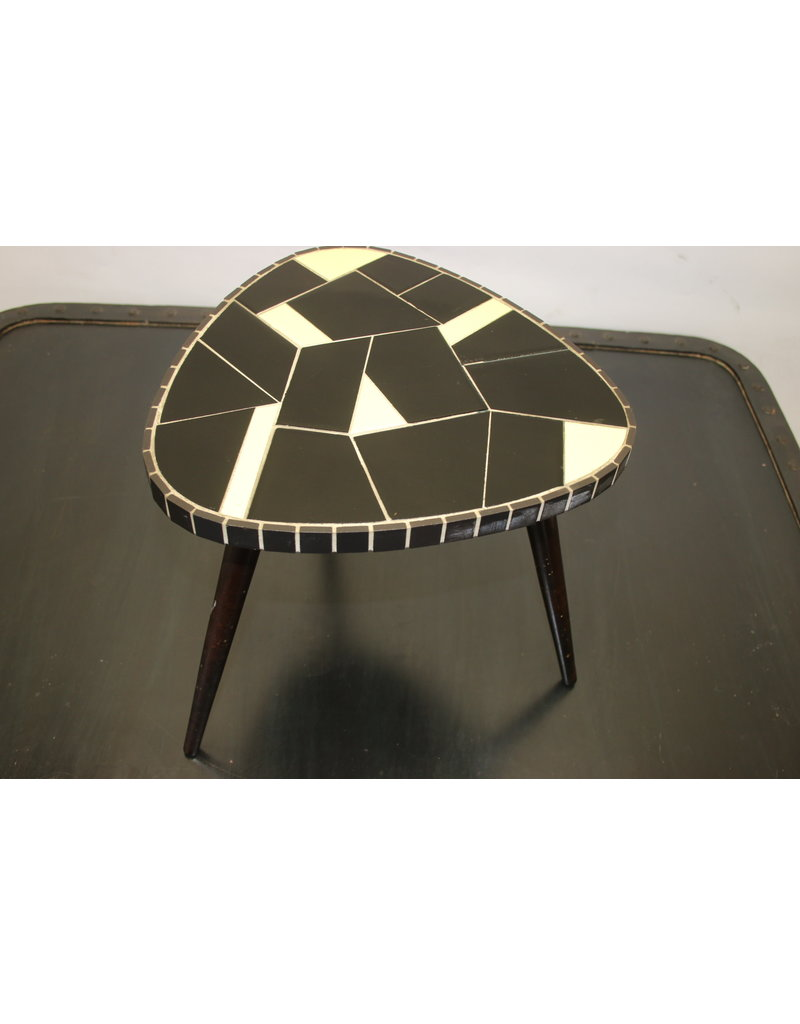 Plant table yellow / black 60s
