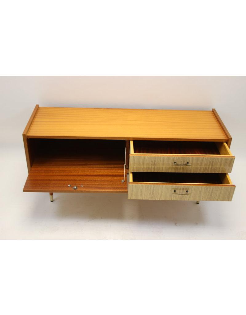 Vintage Tv Meubel Sitebord met glasplaat 124 cm lang