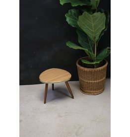 kidney table plant table round
