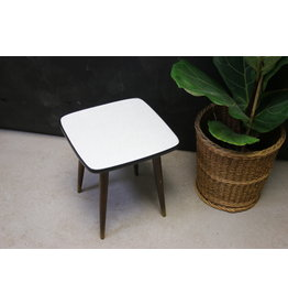 white crackle plant table