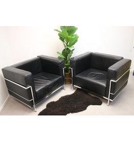 Zwarte leren model Cassina LC3 fauteuils