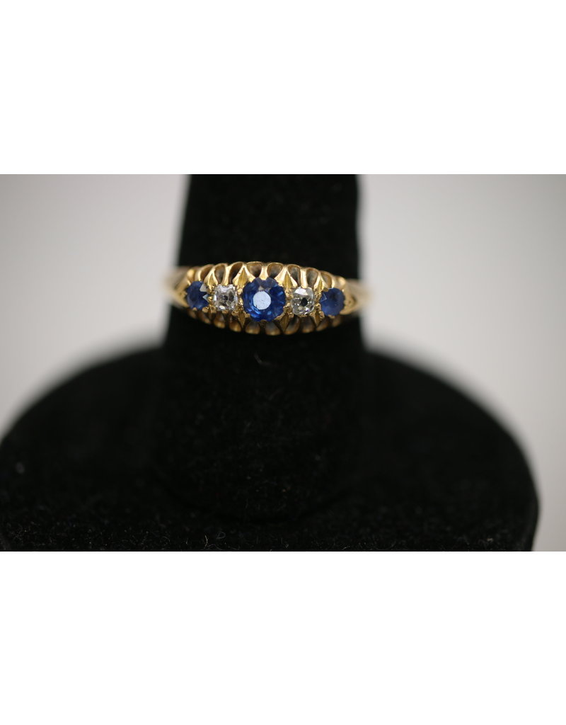 18 Kt Yellow Gold Ring with Sapphire and Diamond
