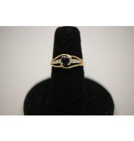 14 kt Geelgouden Ring met Saffier en 2 Diamantjes