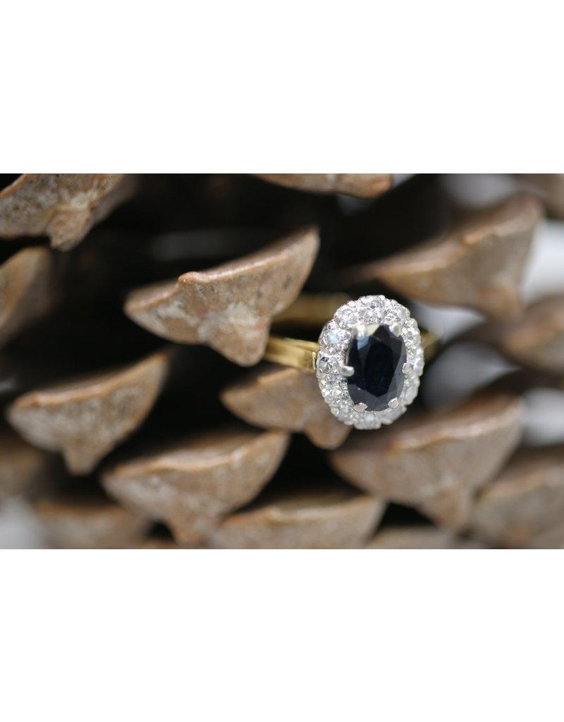 Copy of 18 Kt Geelgouden ring met Saffier en rondom heen diamantjes