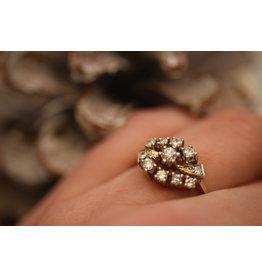 14 Kt geelgouden ring met 11 Diamanten