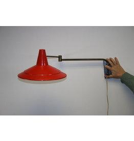 50 jaren Wandlamp met Knik Arm Rode Kap  Anvia lamp hoogervorst