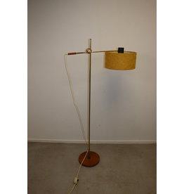 Scandinavian Design floor lamp with Teak base and hinge pointp