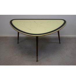Vintage Driehoek Bijzettafel salontafel met Gele glazen blad