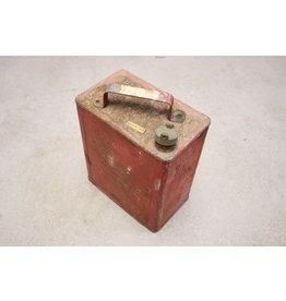 WW2 Engelse Jerrycan rood van metaal Benzine 1940