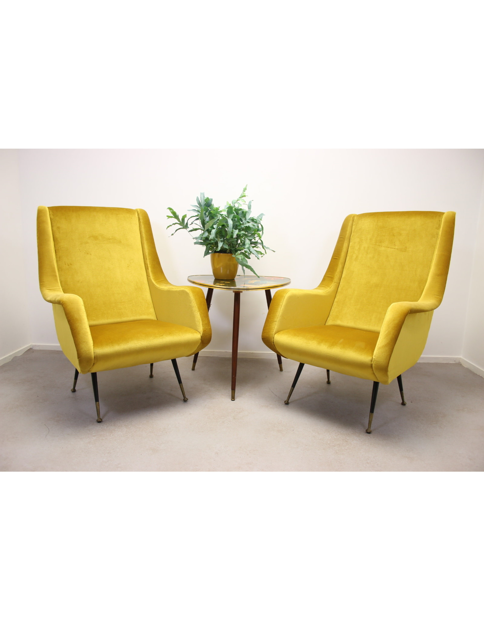 Set van 2 Lounge Chair by Aldo Morbelli for ISA Bergamo, 1950s Mais Geel