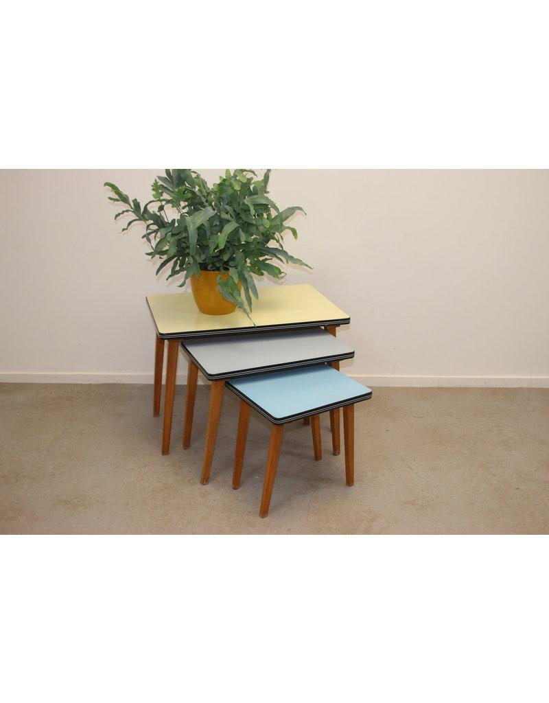 3 Vintage Bijzettafeltjes.Vintage Side Tables In 3 Colors Brocanteschuur By Timeless Art Nl