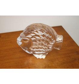 Vis gemaakt van dik geperst glas