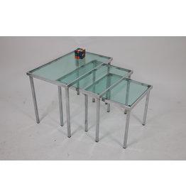 Chrome Bijzet tafeltjes met licht blauw doorzichtig glas