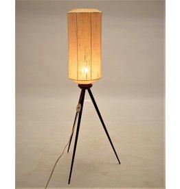 tripod vloerlamp teak poten en textielen lampenkap 1950's