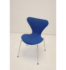 Fritz Hansen Serrie 7 blauw stoel bureau of keukenstoel